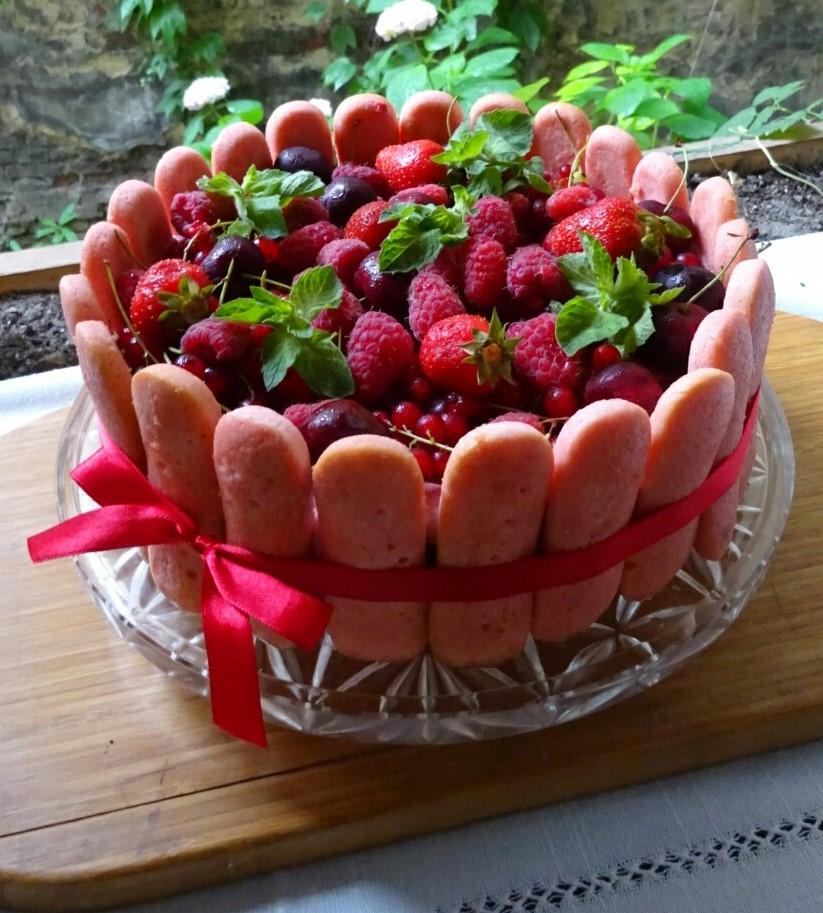 Рожевий торт